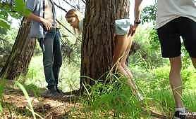 Групповой секс по принуждению в лесу.