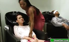 Slutty hairdresser makes my pussy wet