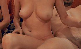 Hai người phụ nữ và hai chàng trai có quan hệ tình dục tuyệt vời