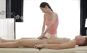 Oil massage followed by great sex