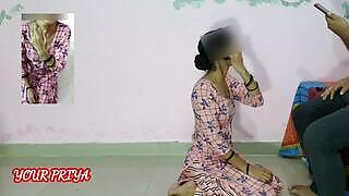 Ung indisk tøs er tvunget til at ride på sin bosspik